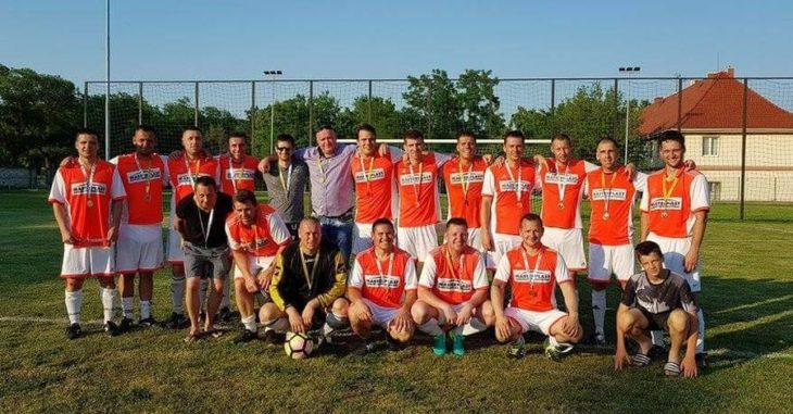 A Csór öregfiúk csapata nyert a 2016/2017-es bajnokságot a 3. számú csoportban - fotó: Csór Truck Trailer FC