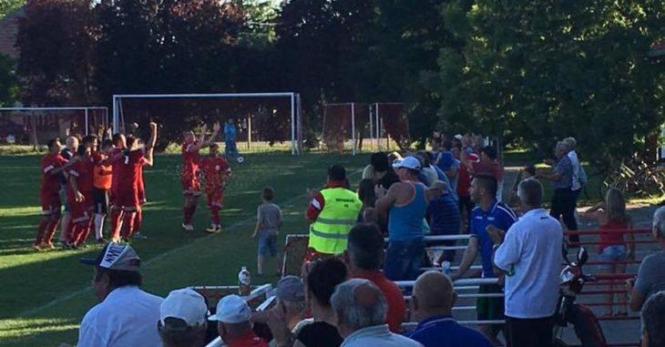 Az Iváncsa a szezon során másodszor ünnepelhetett - fotó: FociDrukker.com