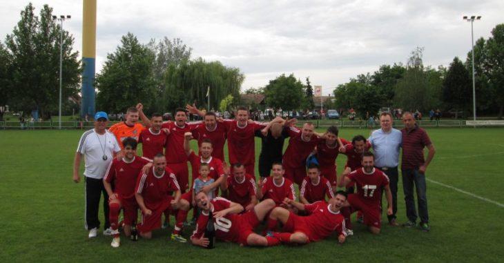 Az Aba a 2015/2016-os évadban bajnoki címet ünnepelhetett a Megye II-ben - fotó: Aba-Sárvíz FC