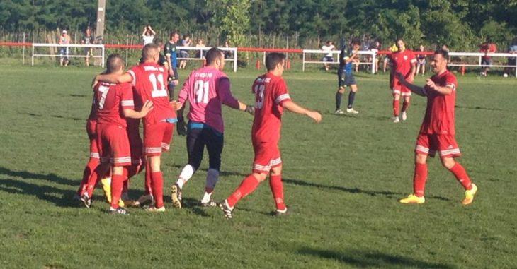 A 13-as mezt viselő Facskó Bicskére igazol - fotó: FociDrukker.com