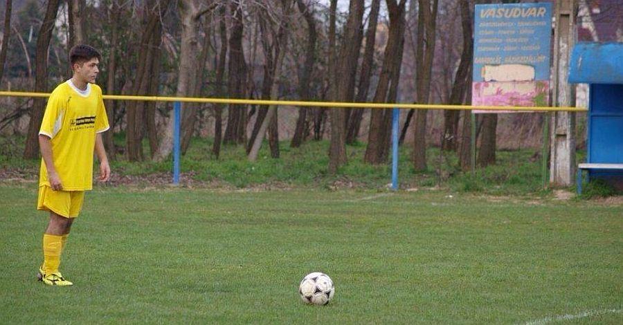 Zsilovics Dávid a labda mögött